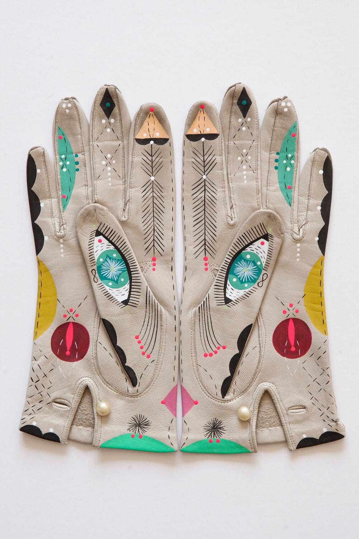 Bunnie Reiss animal gloves 3 (1)