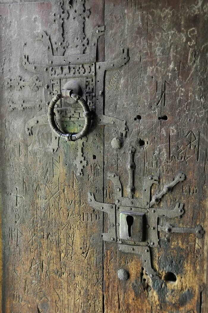 800 year old stave church 13 (1)