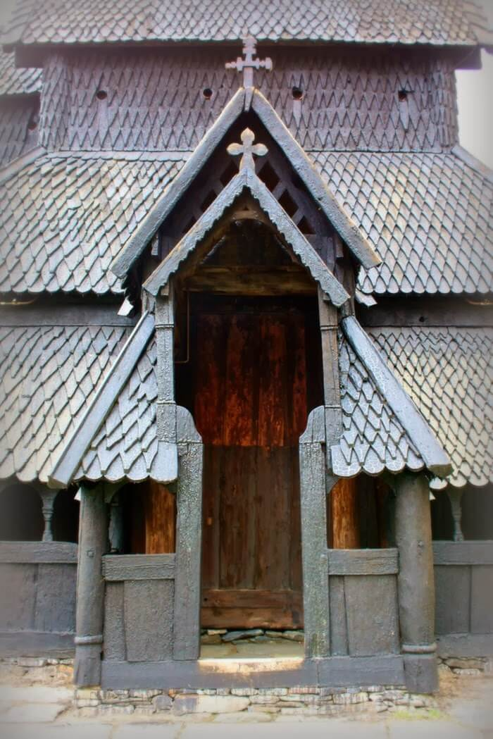 800 year old wooden church 9 (1)