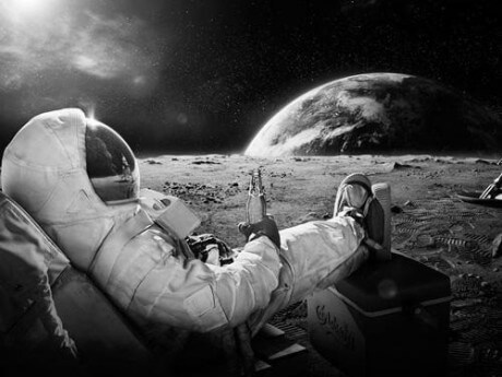 incredible pictures - sitting on the moon watching earth