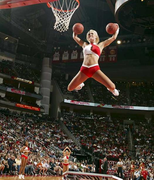 epic pictures - cheerleader dunking two balls