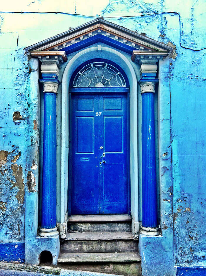 26 beautiful doors from around the world for Amazing front doors