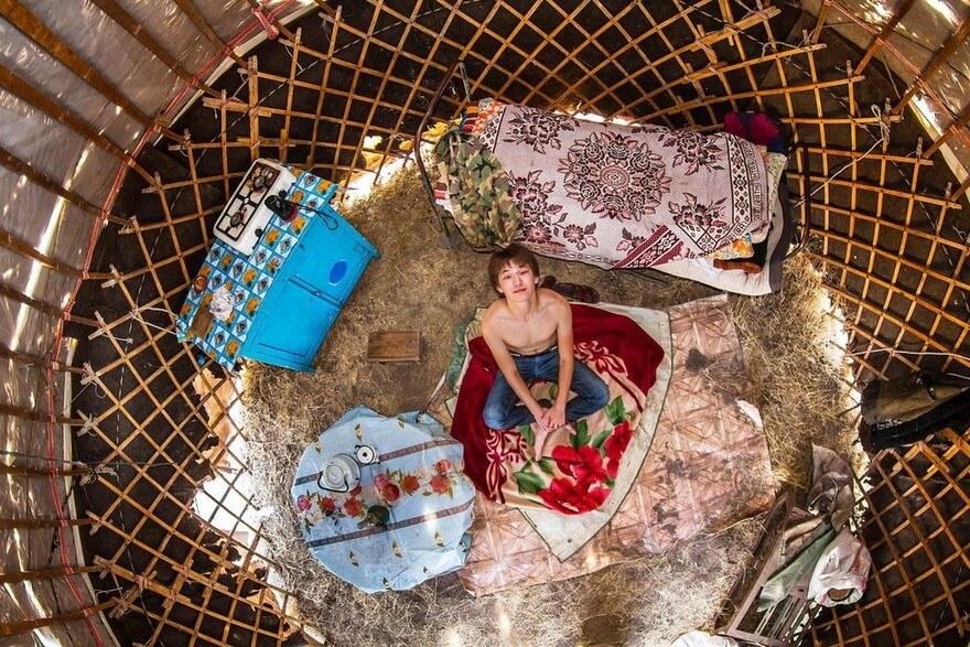 bedrooms around the world 4 (1)