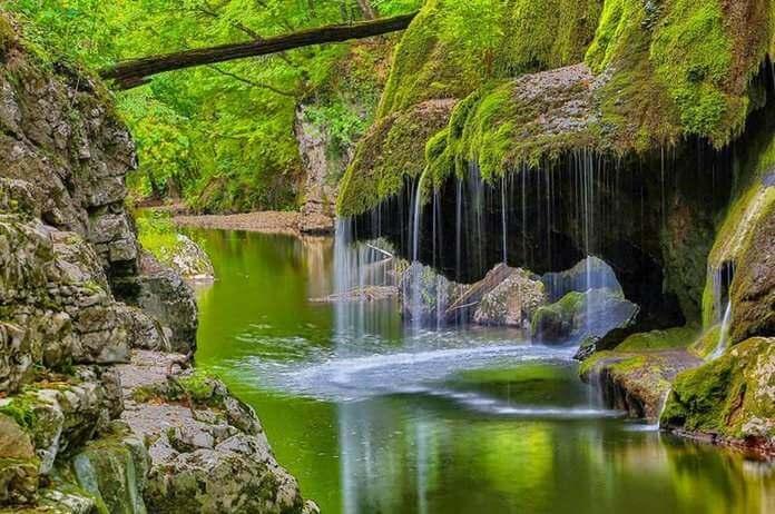 bigar water falls romania 19 (1)
