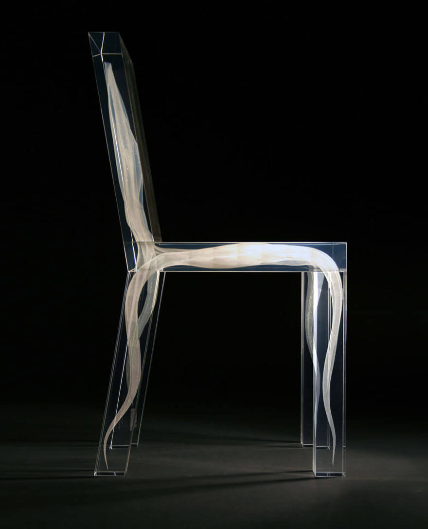 30 cool chairs prove that furniture can be awesome too for Chaise design plexi