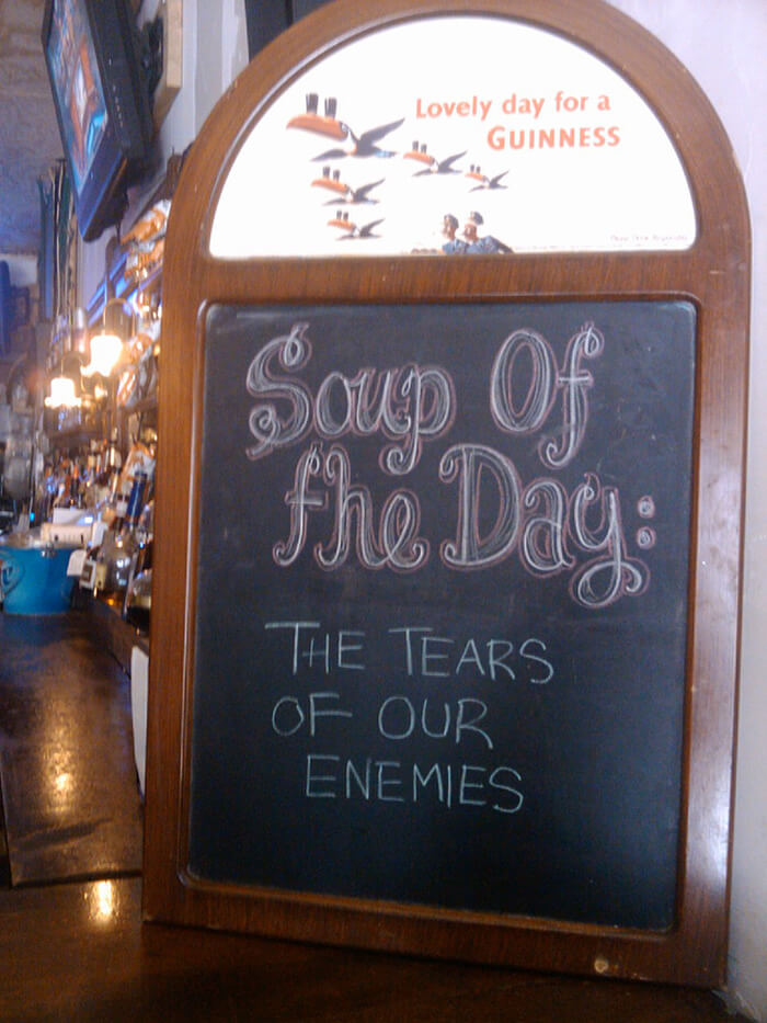 hilarious chalkboard signs 19 (1)