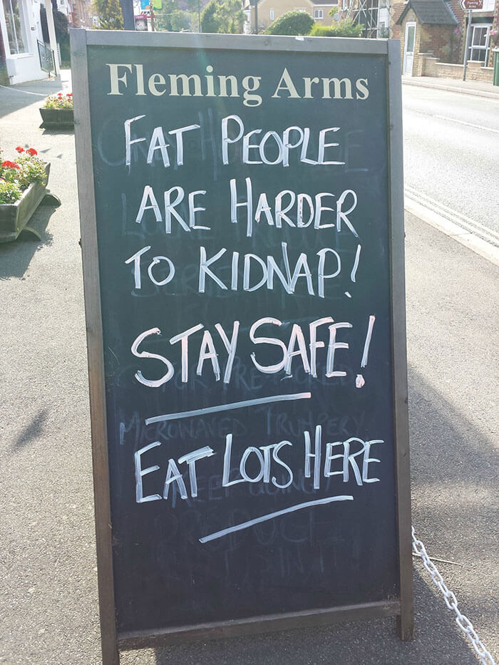 hilarious chalkboard signs 5 (1)