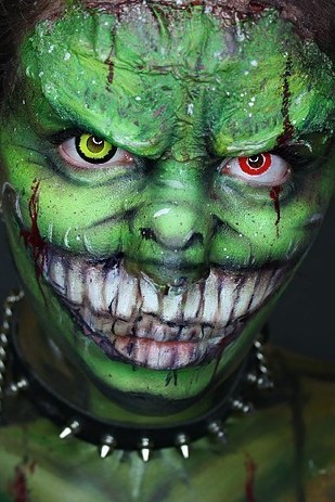 21 Scary Halloween Makeup Before And After That Will Creep