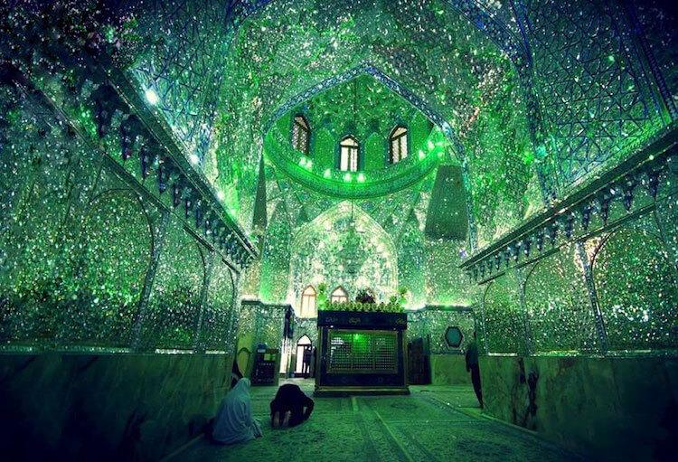 shah cheragh mosque (1)