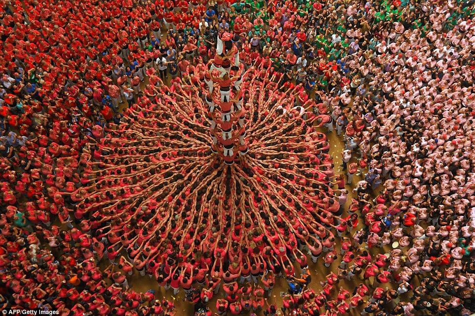 the tallest human tower (1)