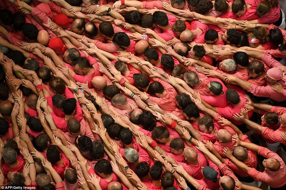 the tallest human tower 14 (1)
