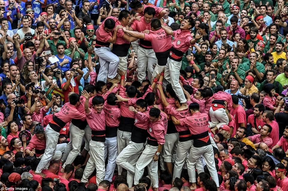 the highest human tower 16 (1)