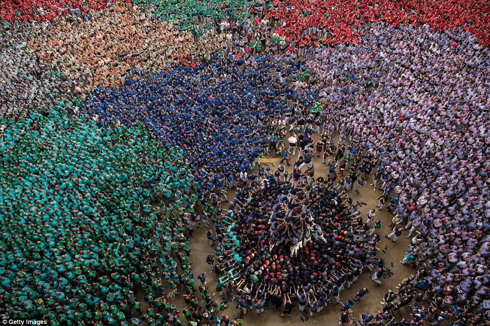 the tallest human tower 17 (1)