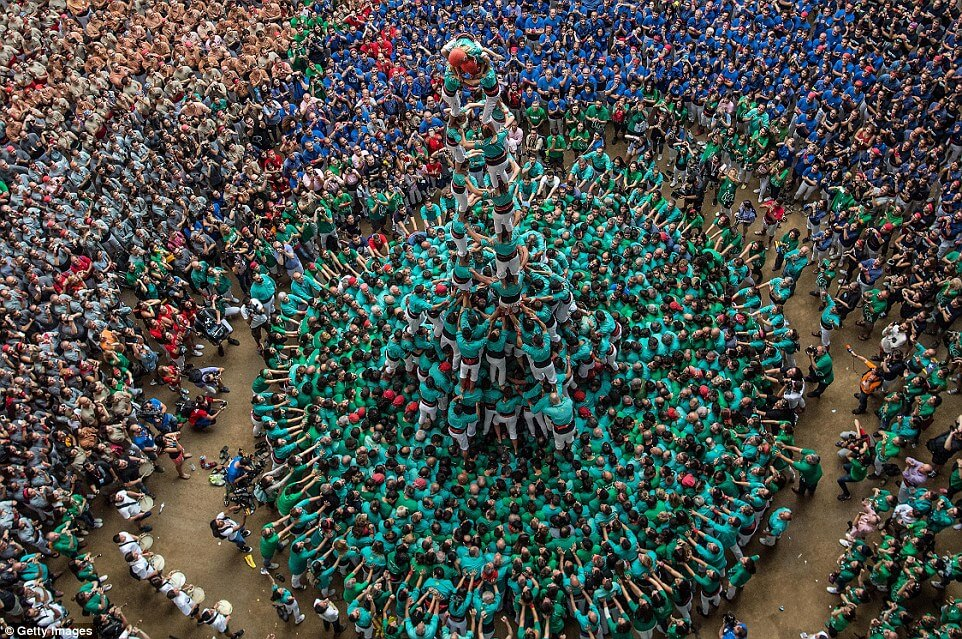 the highest human tower 21 (1)