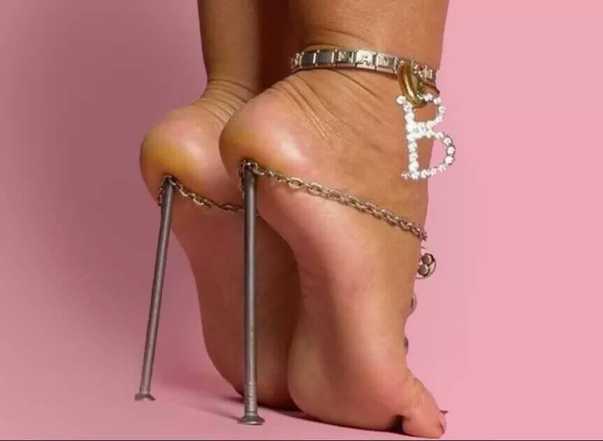 strange shoes 43 (1)