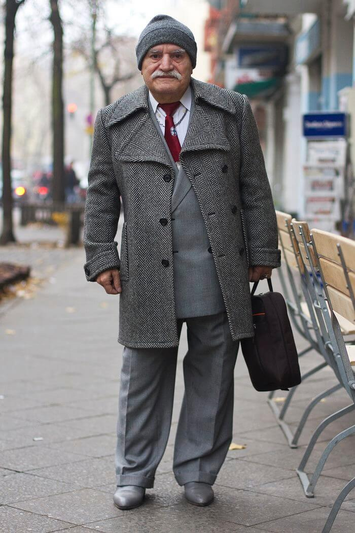 83 year old tailor different suit every day (1)