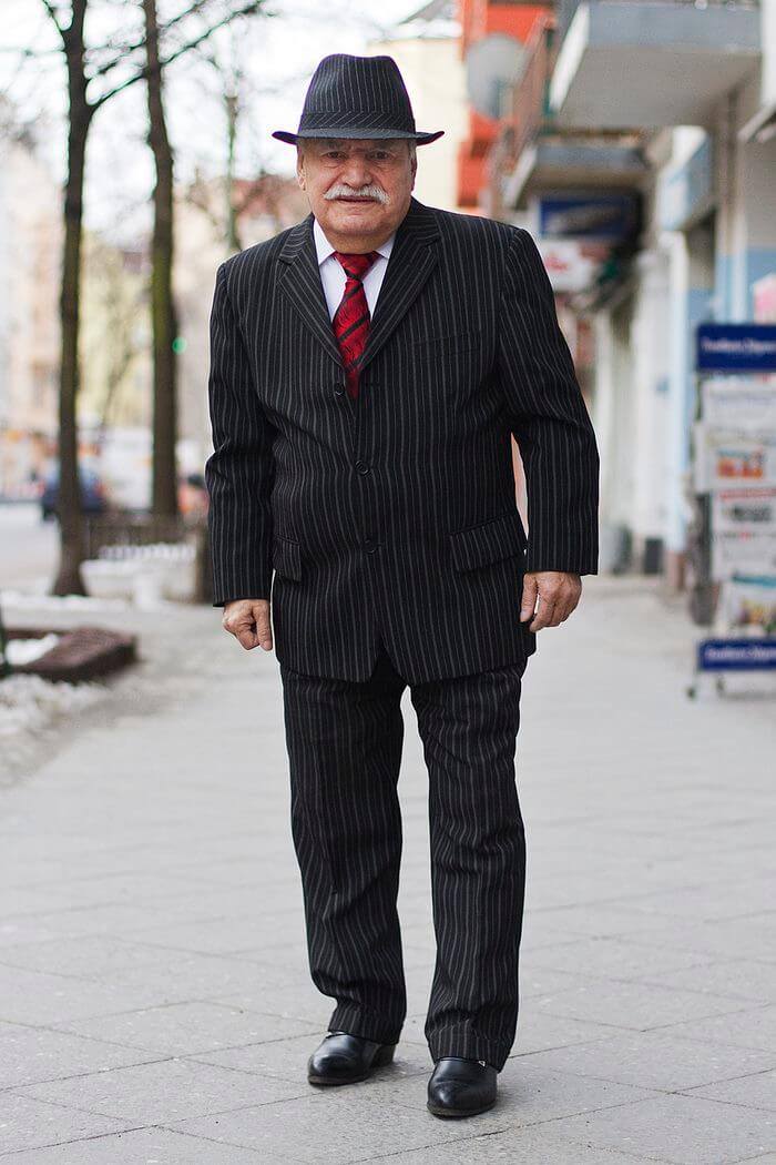 83 year old tailor different suit every day 2 (1)