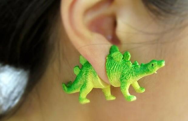 cute earrings feat (1)