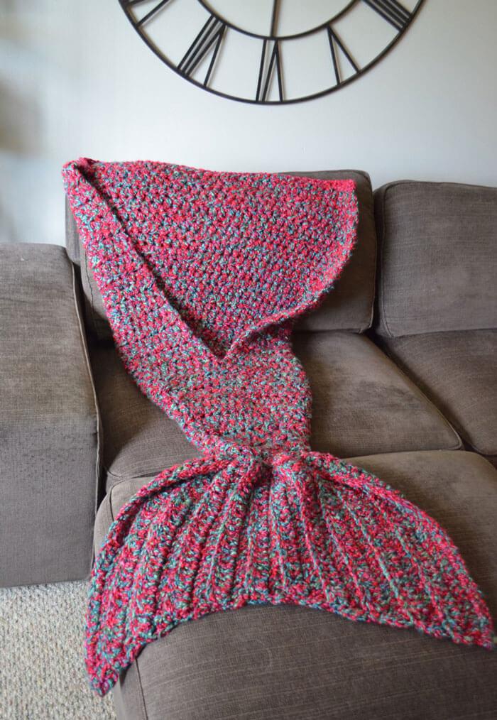 mermaid tail blanket 2 (1)