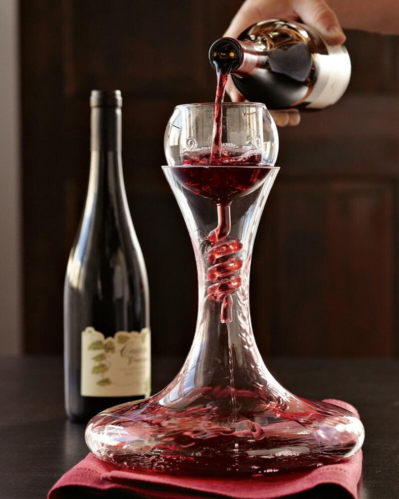 10 cool wine decanters to level up your drinking game. Black Bedroom Furniture Sets. Home Design Ideas