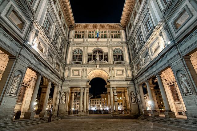 Uffizi-Gallery-Florence-Photo
