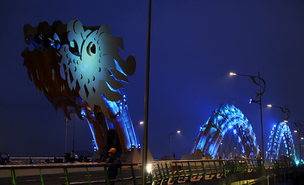 dragon bridge vietnam 6 (1)