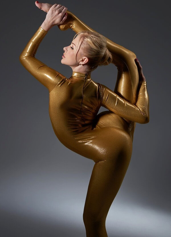 zlata the worlds most flexible woman (1)