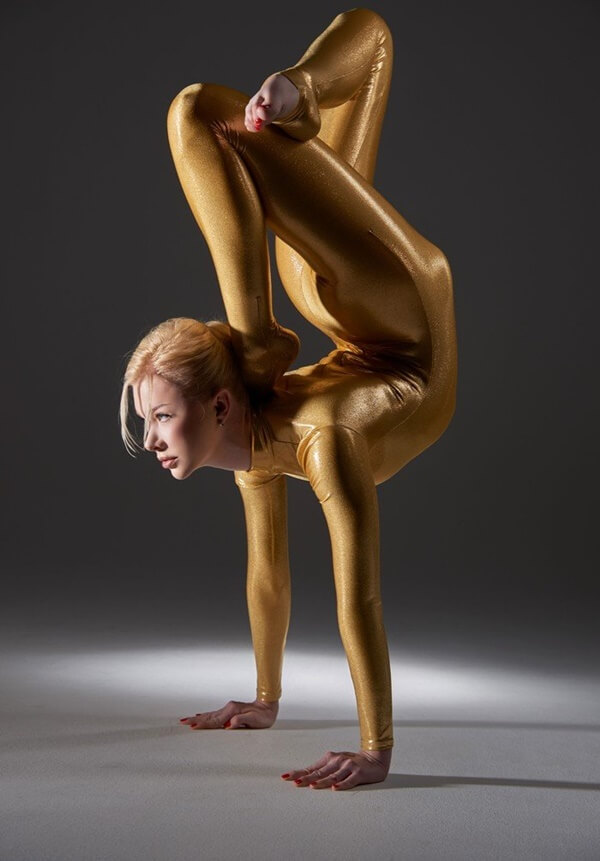 zlata the worlds most flexible woman 14 (1)
