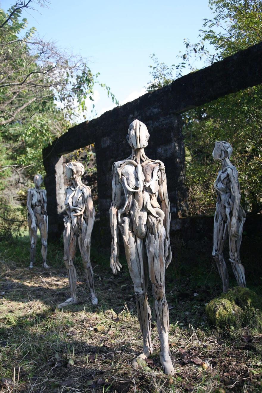 Nagato Iwasaki driftwood sculptures 8 (1)
