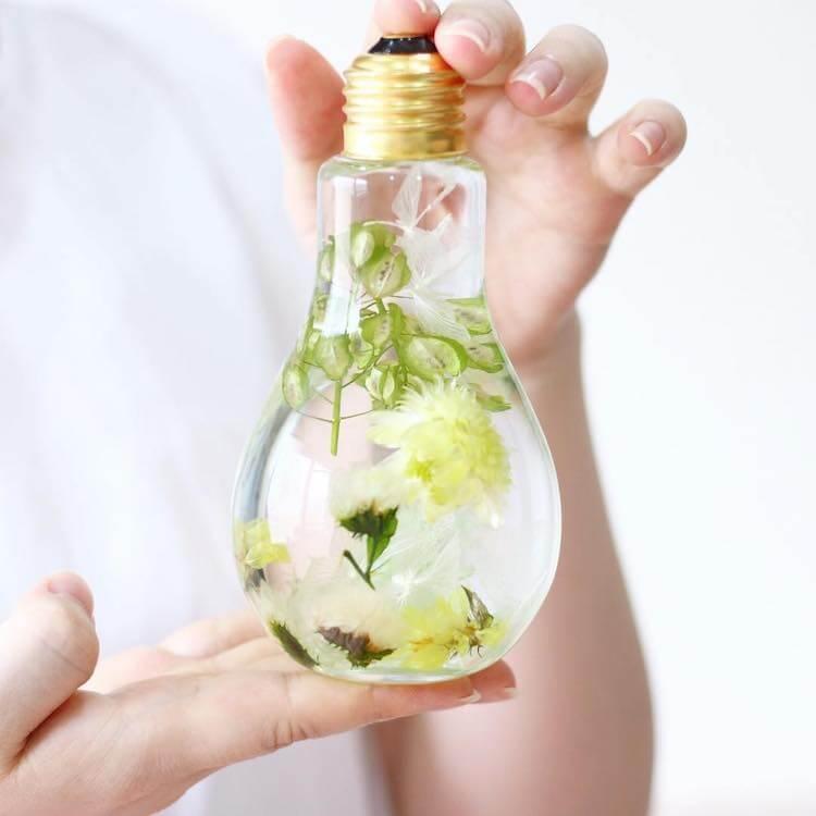 flowers inside light bulbs 15 (1)