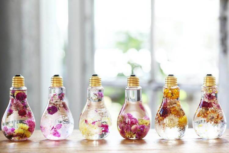 flowers inside light bulbs 16 (1)