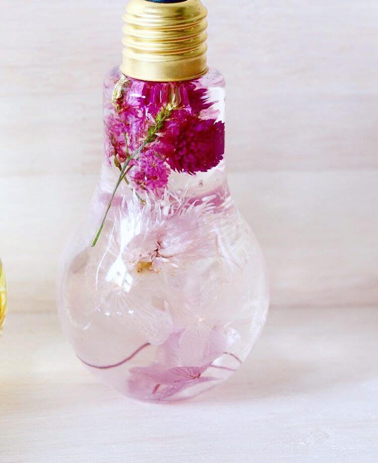 flowers suspended in light bulbs 8 (1)