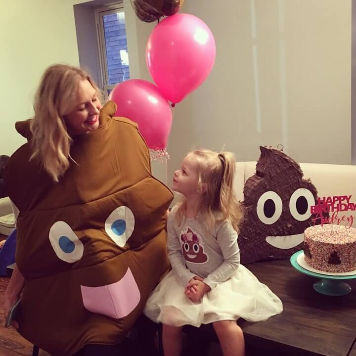 Little Girl Wanted A Poop-Themed Birthday Party (1)