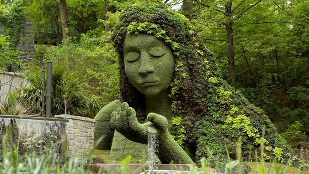 botanical dragon sculpture feat