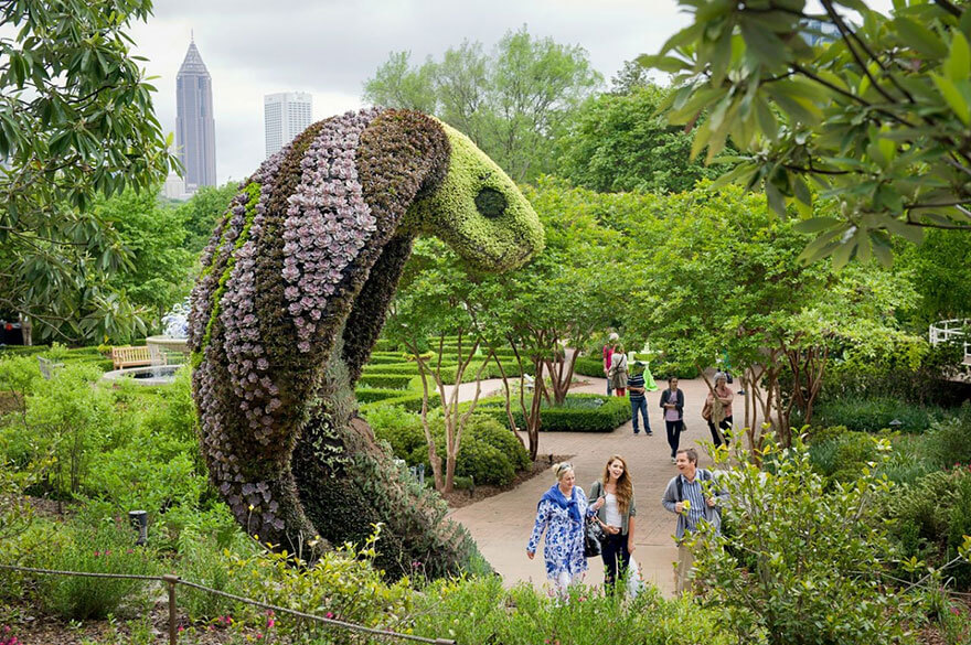 this botanical garden features a 14-foot topiary dragon 7