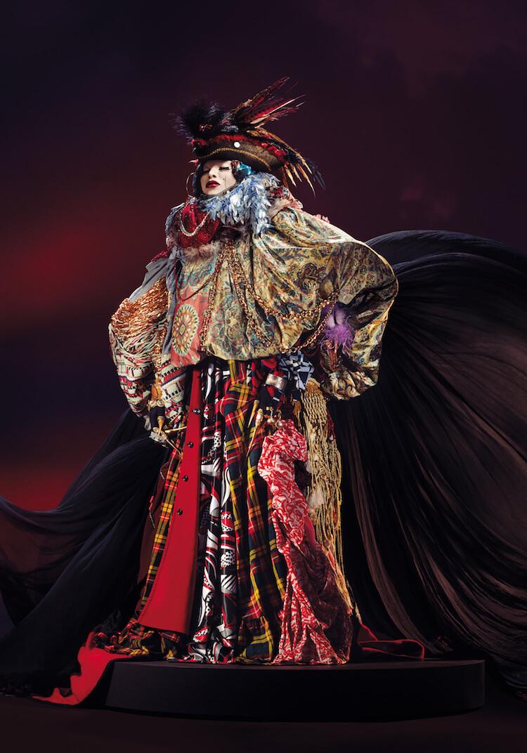 -Daniel Lismore wearable sculptures 7