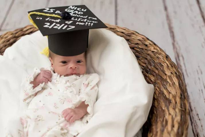 Nurses Are Holding Graduation Ceremonies For Babies Leaving The NICU 4