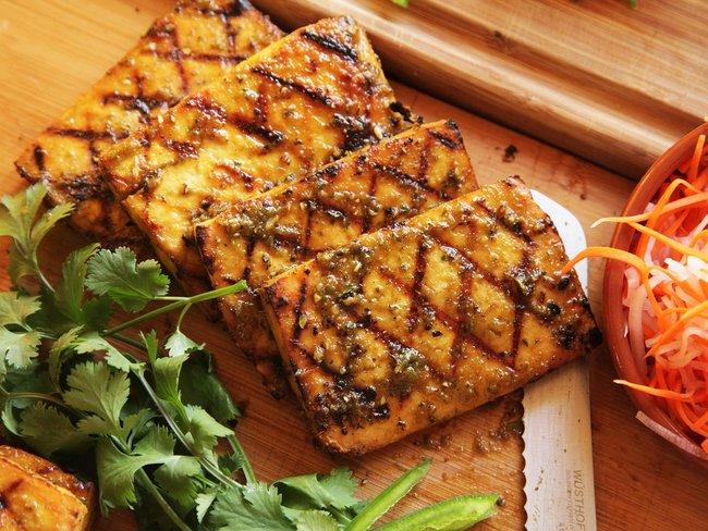 rsz_20150216-grilled-tofu-banh-mi-recipe-vegan-08