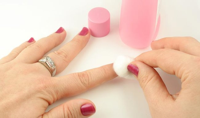 How To Stop Nails From Splitting Or Breaking