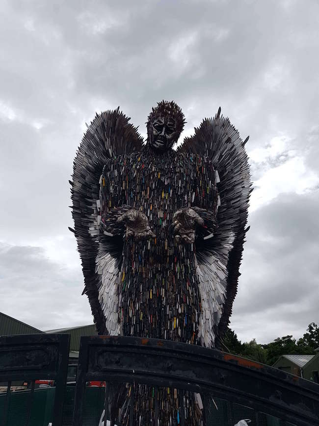 100,000 weapons knife angel sculpture (1)