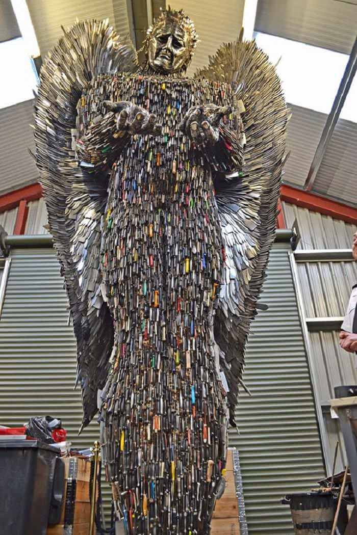 100,000 weapons knife angel sculpture 2 (1)
