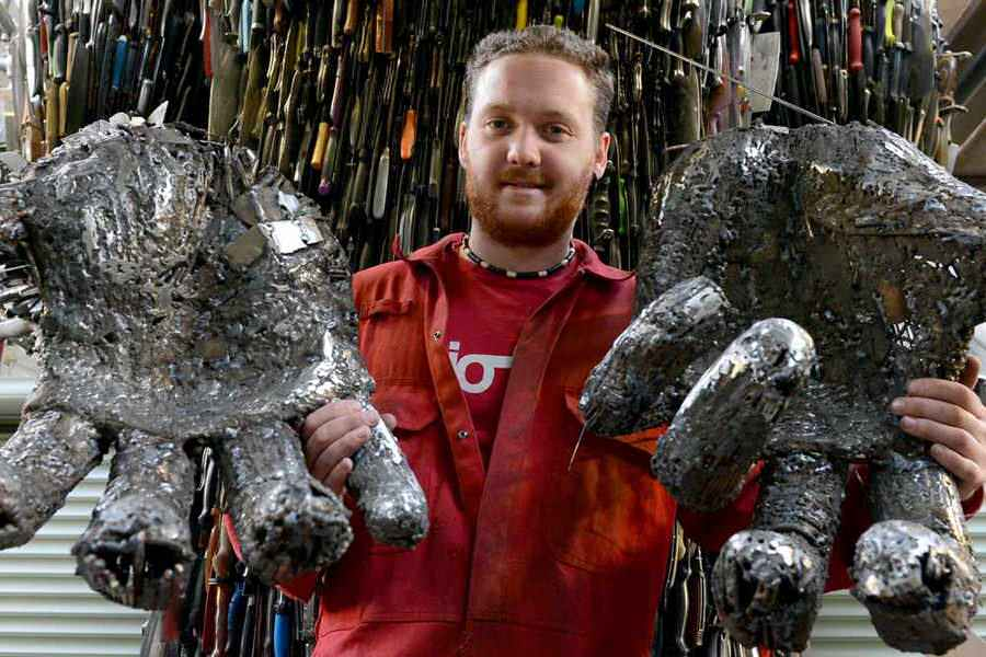 100,000 weapons knife angel sculpture 8 (1)