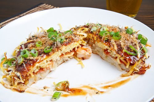 Okonomiyaki pizza