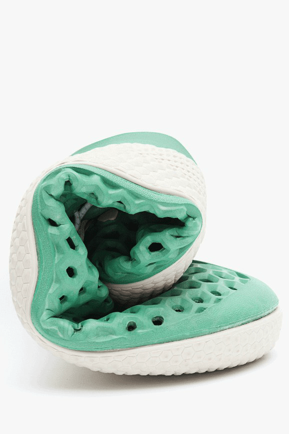 Sustainable Sneakers made of algae 2
