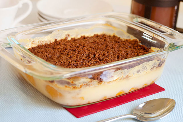 Warm_Ginger-Peach_Crumble_640x428
