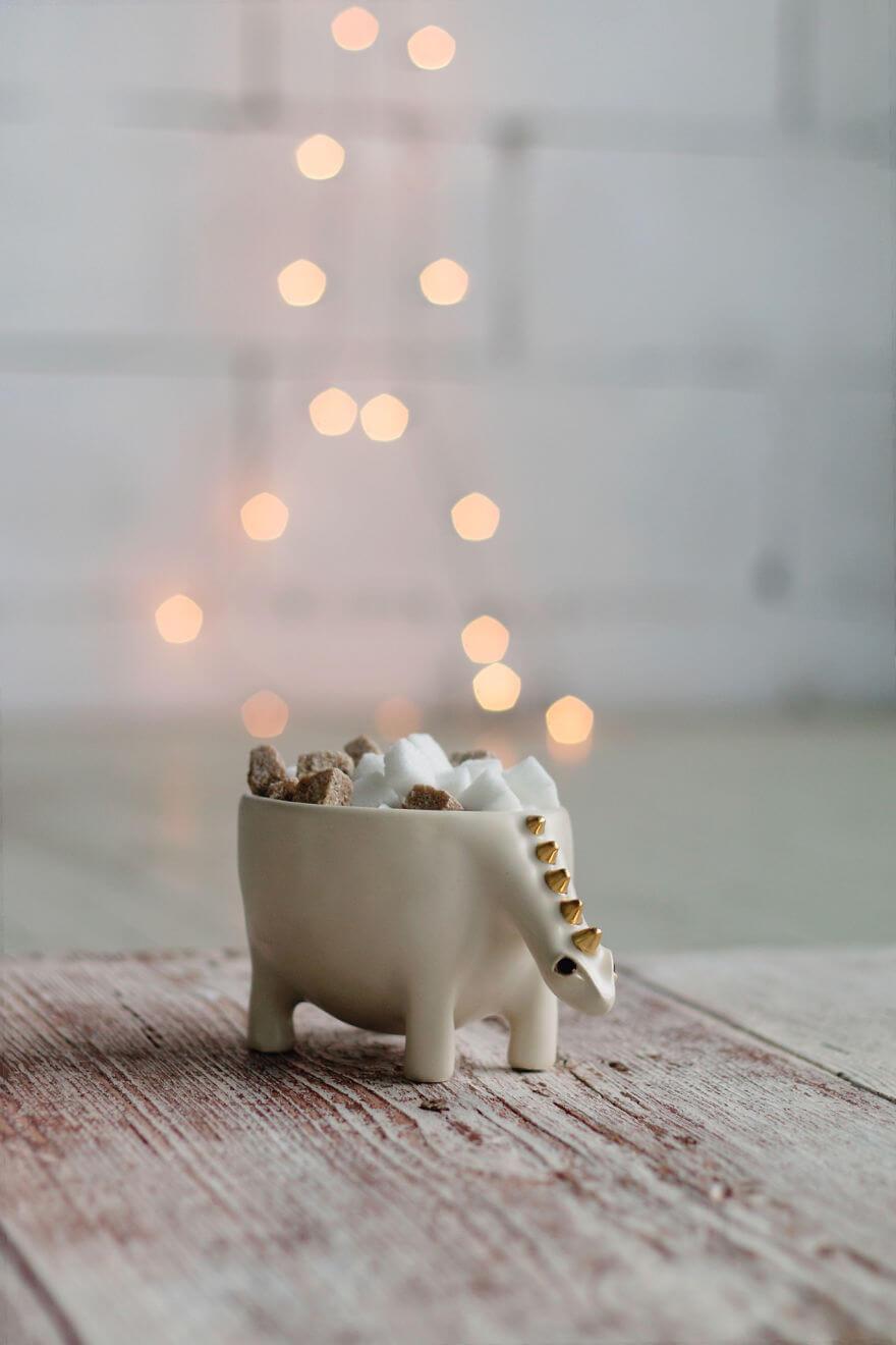 ceramic pot 16