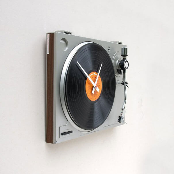 27 cool clocks that will show you the time in creative ways Cool digital wall clock