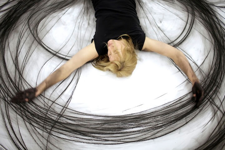 Artist Heather Hansen Dancing And Physical Gestures With a Charcoal In Her Hands Creates The Most Mesmerizing Art Pieces We Ever Saw 4