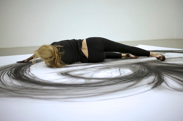 heather hansen beautiful charcoal drawings 5