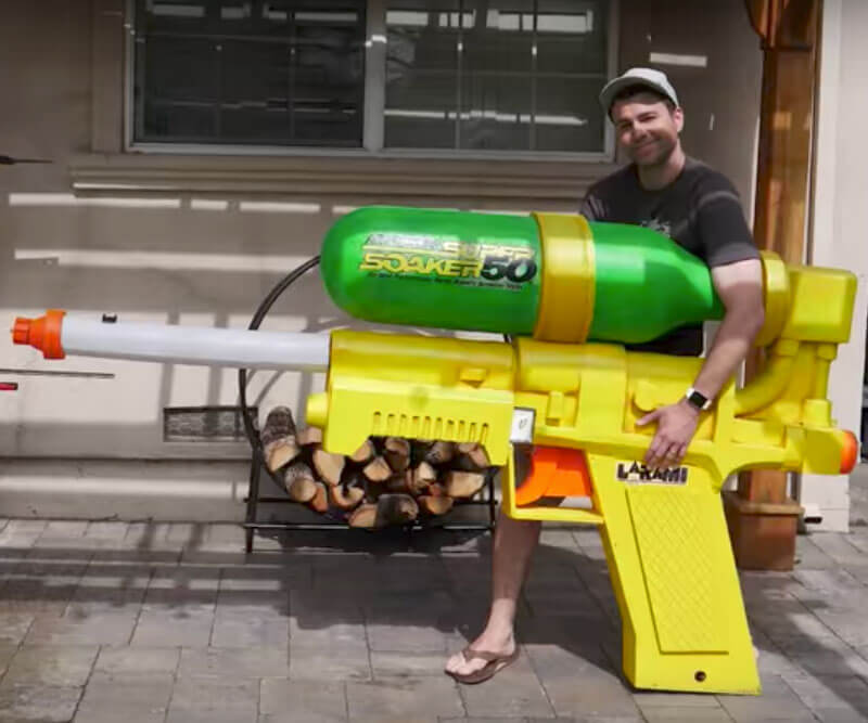Biggest Super Soaker Gun (1)
